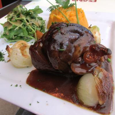 Lamb's mouse confit in old wine